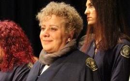Η Ευρυκόμη Σάββα από τη Φίλια της Λέσβου, επέστρεψε στο σχολείο στα 38 της και στα 51 της ολοκλήρωσε το μεταπτυχιακό της στο Πανεπιστήμιο Αιγαίου