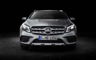 Mercedes-Benz GLA 250 4MATIC, AMG Line, Mountaingrau magno, Studioaufnahme;Kraftstoffverbrauch kombiniert: 6,5 l/100 km, CO2-Emissionen kombiniert: 152 g/km*