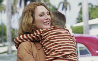 Η Τζούλιαν Μουρ ως καταθλιπτική μητέρα στην κινηματογραφική ταινία «Οι ώρες».