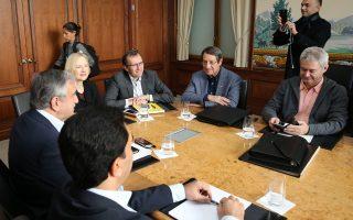 Τη θλίψη του για το γεγονός ότι ο ειδικός σύμβουλος του γ.γ. του ΟΗΕ για το Κυπριακό, Εσπεν Μπαρθ Εϊντε, «τείνει να υιοθετήσει θέσεις που εκφράζονται από τη μία πλευρά», εξέφρασε στην επιστολή του προς τον Αντ. Γκουτιέρες ο Ν. Αναστασιάδης.