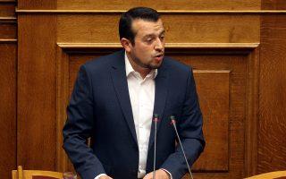 pappas-o-tsipras-efere-200-000-theseis-ergasias0