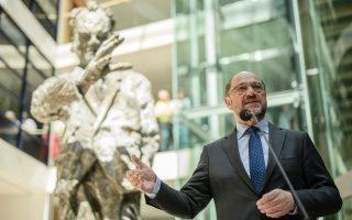 Συντριπτική εκλογική ήττα των Σοσιαλδημοκρατών στη Ρηνανία-Βεστφαλία, ενώ ο Μάρτιν Σουλτς βλέπει τη δημοτικότητά του να μειώνεται σταθερά.