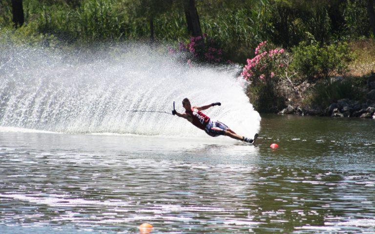 ski-ethistiko-spor-adrenalinis-kai-tachytitas-2193303