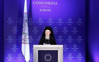 oikoymenikos-patriarchis-vartholomaios-to-prosfygiko-dokimazei-tis-anthropistikes-arches0