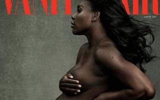Ενδιαφέρουσα. Γυμνή και εγκυμονούσα φωτογραφήθηκε για το εξώφυλλο του περιοδικού Vanity Fair η τενίστρια Serena Williams. Σε παρόμοια πόζα και αρκετά χρόνια πριν, είχε φωτογραφηθεί για πρώτη φορά σε ενδιαφέρουσα η διάσημη ηθοποιός Demi Moore προκαλώντας πάταγο. Την φωτογραφία υπογράφει και στις δυο περιπτώσεις η διάσημη Annie Leibovitz. Vanity Fair/Handout via REUTERS