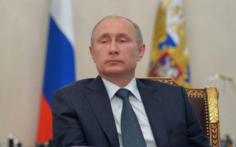 Πούτιν: «Ο Σνόουντεν δεν είναι προδότης»