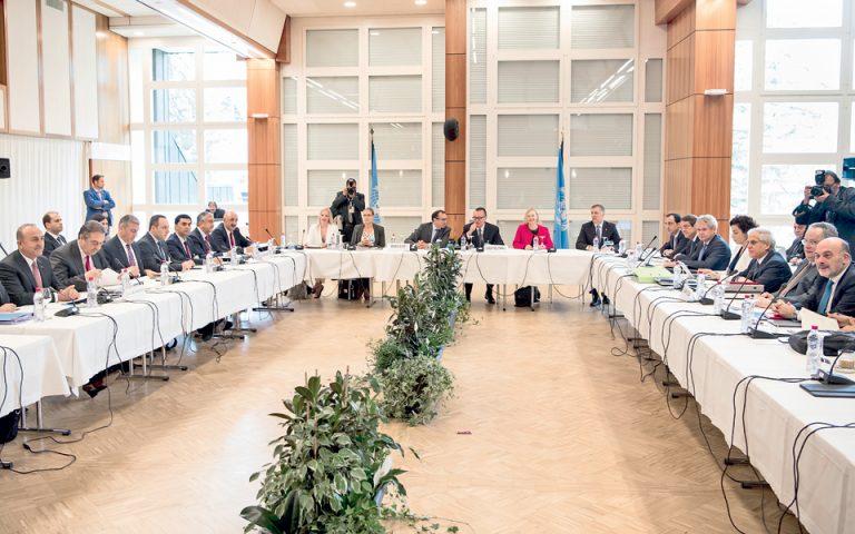 Κυπριακό: Σκληρό πόκερ στο Κραν-Μοντανά