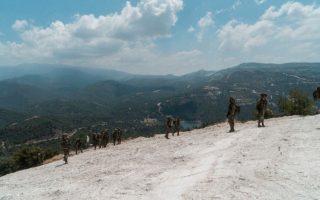 Ισραηλινοί κομάντος της μονάδας «Εγκόζ», σε στιγμιότυπο από την άσκηση που πραγματοποιήθηκε στο όρος Τρόοδος, μαζί με ειδικές δυνάμεις της εθνικής φρουράς της Κυπριακής Δημοκρατίας.