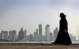 Η θέση των Αλ Θάνι για ανεξάρτητο Κατάρ ενισχύθηκε με την ανακάλυψη τεράστιου υποθαλάσσιου κοιτάσματος φυσικού αερίου, το οποίο μοιράζεται με το σιιτικό Ιράν.