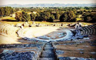 Ο αρχαιολογικός χώρος των Φιλίππων, όπου βρίσκεται το αρχαίο θέατρο, εντάχθηκε πρόσφατα στον κατάλογο μνημείων της UNESCO.
