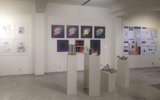Η έκθεση «Η Εποχή του Διαστήματος» μιλάει για την προφητική ηλεκτρική και ηλεκτρονική τέχνη στην Ελλάδα, από το 1957 έως το 1989.