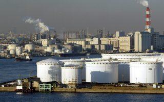 Μια νέα πτώση των τιμών του πετρελαίου έπληξε τις μετοχές των ενεργειακών εταιρειών και των ορυχείων, συμπαρασύροντας τους γενικούς δείκτες.