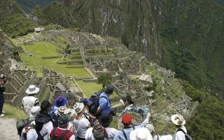Το Μάτσου Πίτσου κατακλύζεται κάθε χρόνο από ξένους επισκέπτες.