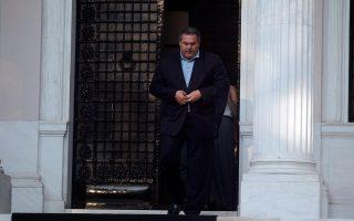 Το θέμα της επικοινωνίας του κ. Π. Καμμένου με τον ισοβίτη Μ. Γιαννουσάκη αποτέλεσε χθες αφορμή για να ανεβούν οι τόνοι στη Βουλή.