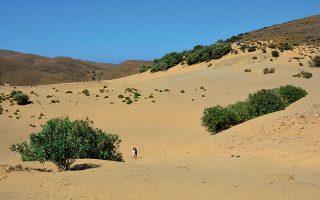 Οι αμμοθίνες κοντά στο Γομάτι είναι η «έρημος» του Βόρειου Αιγαίου. (Φωτογραφία: SHUTTERSTOCK)