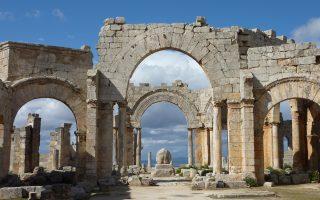Στη φωτογραφία, η πρωτοβυζαντινή Μονή του Συμεών του Στυλίτη (5ος αι.) στη Συρία. Σελ. 15