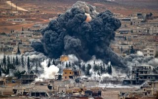 syria-42-nekroi-apo-aeroepidromi-toy-diethnoys-synaspismoy-se-fylaki-toy-ik0
