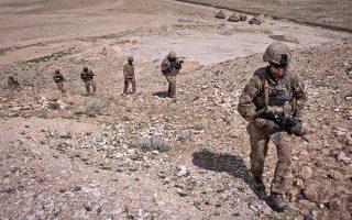 afganistan-okto-froyroi-asfaleias-skotothikan-se-enedra-konta-se-amerikaniki-vasi0