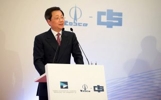 Ο πρόεδρος της China Cosco Shipping Corporation Σου Λιρόνγκ έχει ξεκαθαρίσει ότι ο κινεζικός όμιλος «θα συνεχίσει τις επενδύσεις του ώστε ο Πειραιάς να καταστεί το πιο ανταγωνιστικό λιμάνι στη Μεσόγειο».