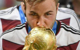 Το 2014 με δικό του γκολ η Γερμανία κατέκτησε, κόντρα στην Αργεντινή, το Μουντιάλ της Βραζιλίας. Πριν από λίγους μήνες, ο Μάριο Γκέτσε διεγνώσθη με μυοπάθεια, με αποτέλεσμα η καριέρα του να απειλείται με άδοξο τέλος.
