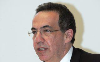 «Δεν δημιουργούν οι τράπεζες ανάπτυξη, αλλά οι επιχειρήσεις. Εμείς είμαστε επιταχυντές της ανάπτυξης», είπε στο Reuters ο διευθύνων σύμβουλος της Εθνικής Τράπεζας Λεωνίδας Φραγκιαδάκης.