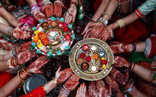 Κατά του «φόρου αίματος» σε είδη γυναικείας προσωπικής υγιεινής, όπως είναι τα ταμπόν και οι σερβιέτες, στρέφονται ινδικές οργανώσεις.