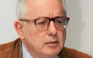 Ο συνταγματολόγος Ν. Αλιβιζάτος θα συναντήσει σήμερα τον Γιάννη Ραγκούση.