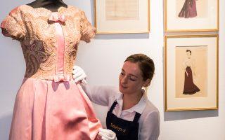 Βραδινό φόρεμα από τη συλλογή ρούχων, που δείχνει και το ενδιαφέρον της Βίβιαν Λι για τη μόδα.