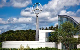 Η Mercedes-Benz, σε μια κίνηση καλής θελήσεως, απέσυρε το σχέδιό της να λάβουν έγκριση για να πουληθούν στην αμερικανική αγορά πετρελαιοκίνητα μοντέλα της του 2017.