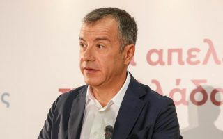 Ο Στ. Θεοδωράκης πρέπει να απαντήσει στην πρόταση Γεννηματά, η οποία επί της ουσίας ικανοποίησε τους περισσότερους από τους όρους του.