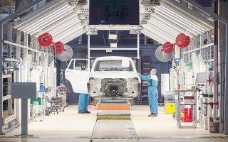 Στο προσκήνιο οι γερμανικές αυτοκινητοβιομηχανίες ανταγωνίζονταν σκληρά ή μία την άλλη, αλλά στο παρασκήνιο φέρεται να είχαν συγκροτήσει ομάδες που συνεργάζονταν στενά σε θέματα τεχνολογίας και πωλήσεων.
