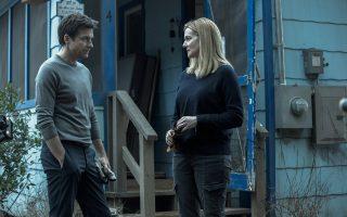 Τζέισον Μπέιτμαν και Λόρα Λίνεϊ, ένα κυνικό ζευγάρι στην πιο πρόσφατη σειρά του Netflix, «Οzark».