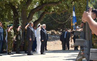 Ο Πρόεδρος της Δημοκρατίας Πρ. Παυλόπουλος, ο υπουργός Αμυνας Π. Καμμένος και ο αρχηγός ΓΕΕΘΑ Ευ. Αποστολάκης στη Σύμη.