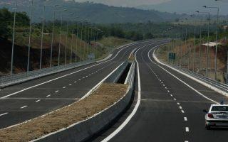 Η Εγνατία Οδός κόστισε 6 δισ. ευρώ (χωρίς τον ΦΠΑ) και όλο το υπόλοιπο δίκτυο αυτοκινητοδρόμων της χώρας 7 δισ. ευρώ. Ταυτόχρονα, όμως, η Εγνατία είναι ο πιο φθηνός για να διανυθεί αυτοκινητόδρομος, αφού σε αυτόν, συνολικού μήκους 852 χλμ., λειτουργούν σήμερα 8 σταθμοί διοδίων.
