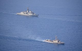 kypros-pros-tin-pafo-pleei-toyrkiki-fregata0