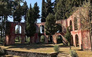 Το υπαίθριο θέατρο του Γαστουρίου θα αναβιώσει για το φεστιβάλ «Corfu Music Days», πρώτη φορά ύστερα από 40 χρόνια, χάρη στον Μάικλ Σισκ (κάτω).