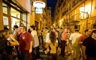 Στην calle del Laurel βρίσκονται ορισμένα από τα καλύτερα τάπας μπαρ του Logrono. (Φωτογραφία: GETTY IMAGES/IDEAL IMAGE)