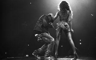 H σούπερ σταρ Μπιγιονσέ δείχνει ποιος έχει το πάνω χέρι: ο πρόσφατος δίσκος του συζύγου της, Jay-Z, αποτελεί ομολογία μετάνοιας για τα παραστρατήματά του.
