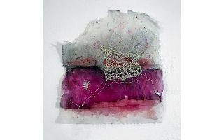 Εργο της εικαστικής καλλιτέχνιδος Μαριγώς Κάσση που παρουσιάζεται στην ομαδική έκθεση «Μικρογραφίες».