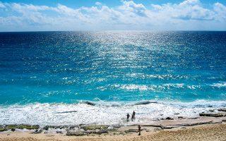 Τροπική βουτιά στο  Cancun. (Φωτογραφία: SHUTTERSTOCK)