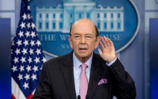 Ο Αμερικανός υπουργός Εμπορίου Γουίλμπουρ Ρος διαμαρτυρήθηκε με ασυνήθιστα οξείς όρους για το εμπορικό έλλειμμα των ΗΠΑ έναντι της Κίνας.