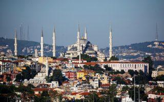 Το οθωμανικής εποχής Μπλε Τζαμί, ένα από τα δημοφιλέστερα αξιοθέατα στην Κωνσταντινούπολη.