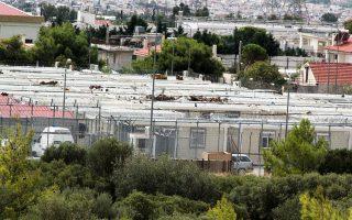 Σύμφωνα με πληροφορίες της «Κ», οι δύο Τούρκοι πρώην στρατιωτικοί μεταφέρθηκαν στην Αμυγδαλέζα την Τρίτη 18 Ιουλίου και έκτοτε κρατούνται σε χώρο εντός της εγκατάστασης, που διαμορφώθηκε ειδικά.