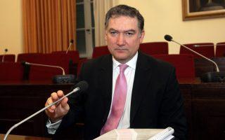 «Καταδικάστηκα επειδή εφήρμοσα την αρχή της επαγγελματικής ανεξαρτησίας, όπως ορίζουν το ελληνικό και το ευρωπαϊκό δίκαιο», δήλωσε χθες στους Financial Times, ο κ. Ανδρέας Γεωργίου.