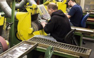 Το υπουργείο Εργασίας ανακοίνωσε χθες ότι οι εκτός αγροτικού τομέα εταιρείες στις ΗΠΑ τον Ιούλιο δημιούργησαν εκατοντάδες χιλιάδες θέσεις εργασίας χάρη στην υψηλή κερδοφορία τους.