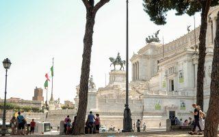 Οι οικονομικοί αναλυτές εκτιμούν πως το δεύτερο τρίμηνο θα έχει αυξηθεί το ιταλικό ΑΕΠ κατά 0,2%, ενώ έχει προηγηθεί ανάπτυξη 0,4% το πρώτο τρίμηνο.