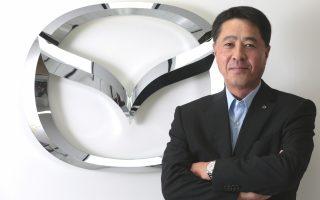 Ο πρόεδρος της Mazda Μασαμίτσι Κογκάι δηλώνει ότι η εταιρεία θα γίνει η πρώτη παγκοσμίως που θα διαθέσει στην αγορά ένα κατά 20%-30% πιο αποδοτικό βενζινοκίνητο όχημα από όσα κυκλοφορούν στους δρόμους.