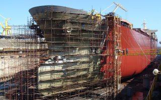 Η παραγωγή στον κλάδο των ναυπηγείων είχε κορυφωθεί το 2010 και έκτοτε οι παραγγελίες για κατασκευή πλοίων σημείωσαν μεγάλη πτώση.