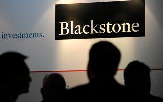Διεξάγονται σκληρές μάχες για την εξαγορά εταιρειών. Η Blackstone Group υπέβαλε την καλύτερη προσφορά για την εξαγορά της πλατφόρμας διαχείρισης ανθρώπινου δυναμικού και διαχείρισης κινδύνων Aon, πληρώνοντας 5 δισ. δολάρια.