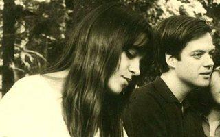 Η Ολυ και ο Κοσμάς Ψυχοπαίδης σε εκδρομή του Πανεπιστημίου το 1968.
